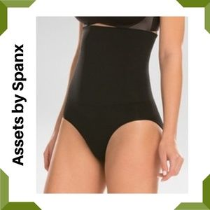 Assets by Spanx High Waist Control Brief - Black L